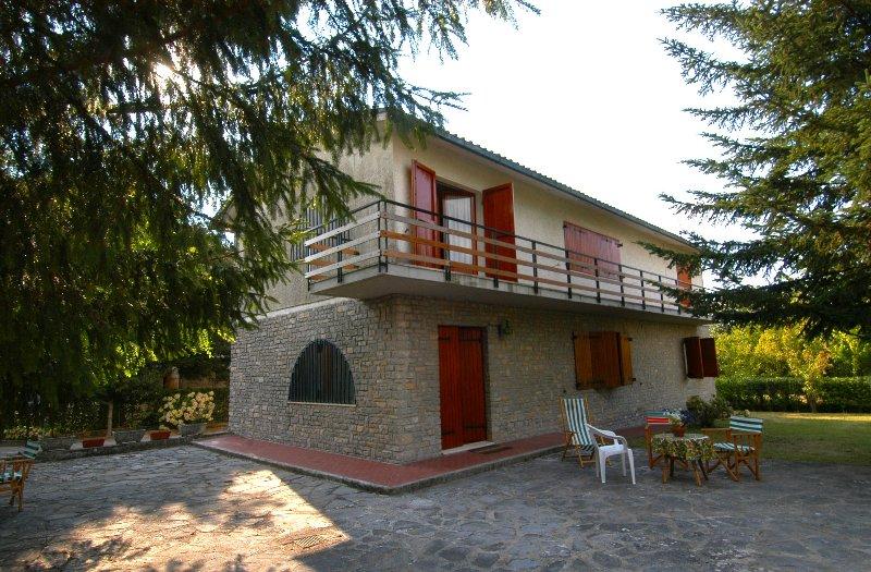 Stunning c agenzia immobiliare amiata case in vendita with for Case rustiche esterno