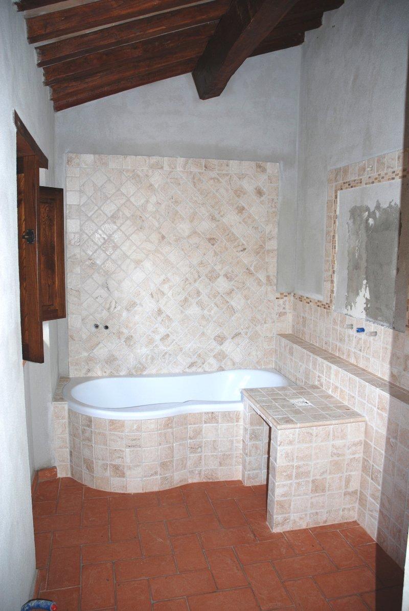 Amiata immobiliare foto rif az 25 case in vendita sul monte amiata appartamenti in - Piastrelle cotto veneto vendita ...