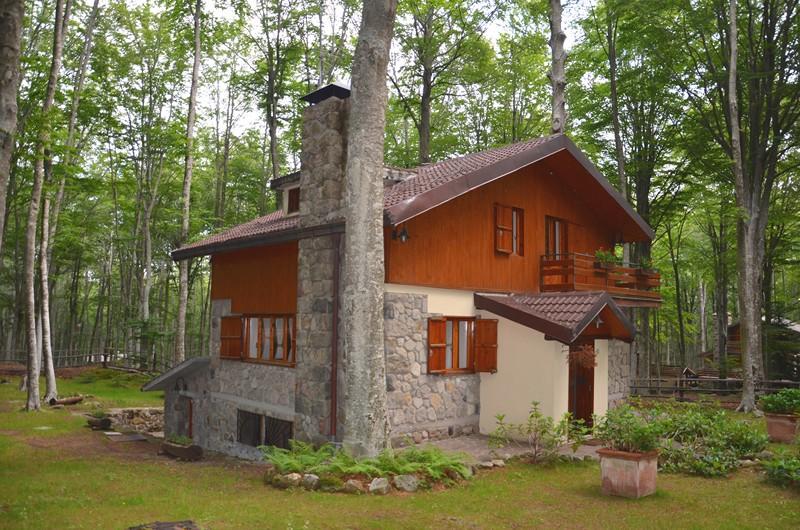 Case vendita amiata immobiliare monte amiata case for Case gotiche vittoriane in vendita